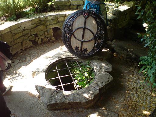 Chalice Well - Glasto09 (10)
