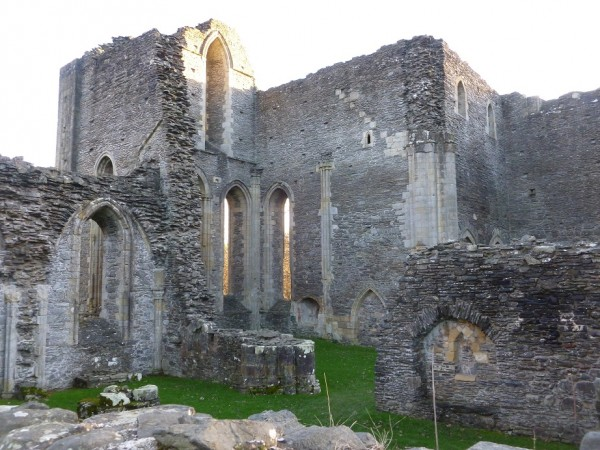 Vale Crucis Abbey - Winter Solstice 2013 (6)
