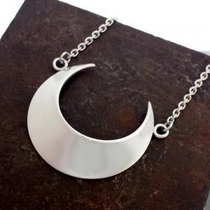 Mesa_luna_moon_necklace